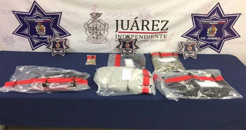 Detienen a hermanas de 14 y 15 años con armas y droga en Ciudad Juárez
