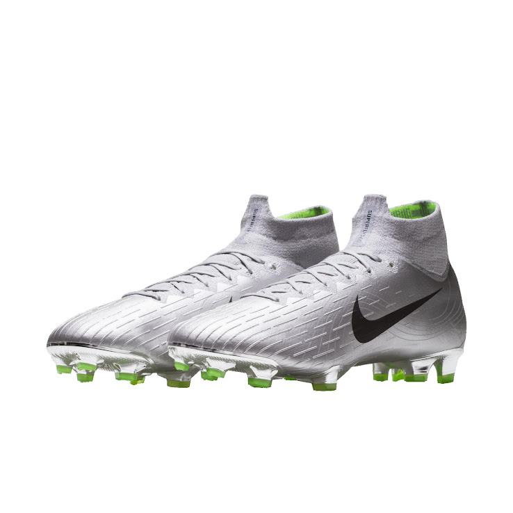 on sale 594f6 963fb Since Brazil won the 2002 World Cups in Japan and South Korea, Philippe  Coutinho was chosen to wear this edition in the Vapor style.