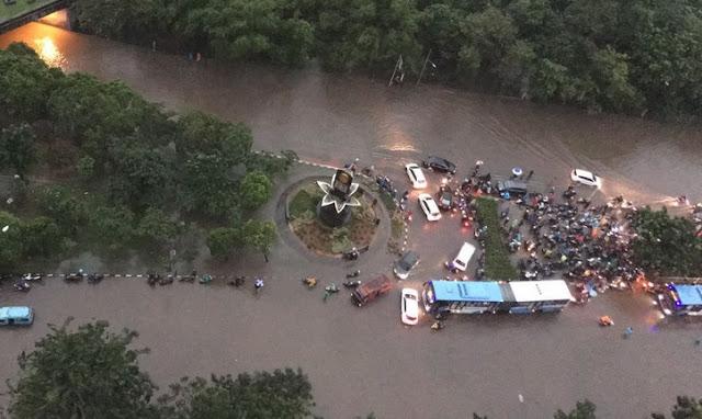 Ahok Tantang Hujan Lebat, Djarot: Kaget Semua Perumahan Mewah Banjir