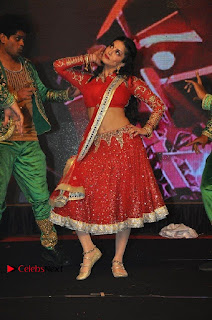 Bollywood Actress Model Sunny Leone Dance Performance in Red Half Saree at Rogue Audio Launch 13 March 2017  0009.jpg