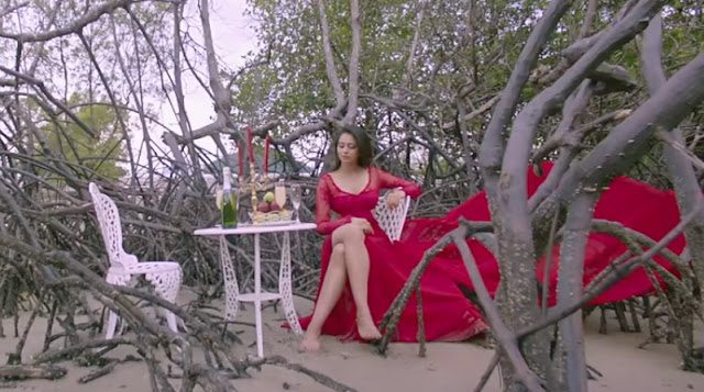 rakul preet singh hot photos in pareshanura song in dhruva movie