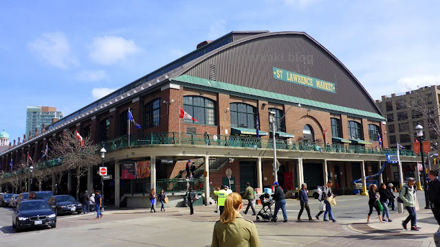 Saturday-Farmer's-Market-St.-Lawrence-Market-Toronto