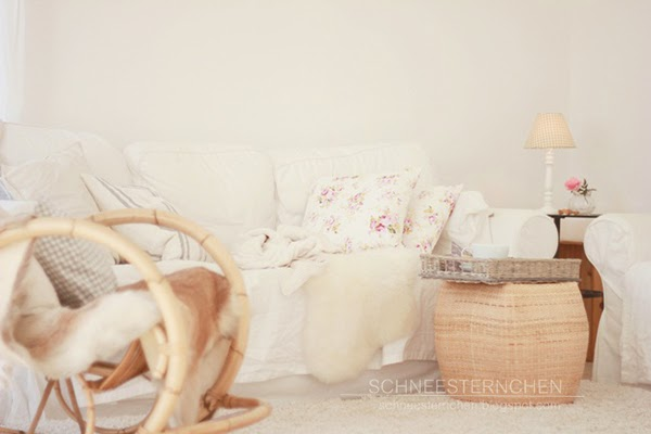 Warm autumn living room - Glorious Shabby Chic Living Room Inspiration You Will Love! I love that wicker footstool and the floral cushions.