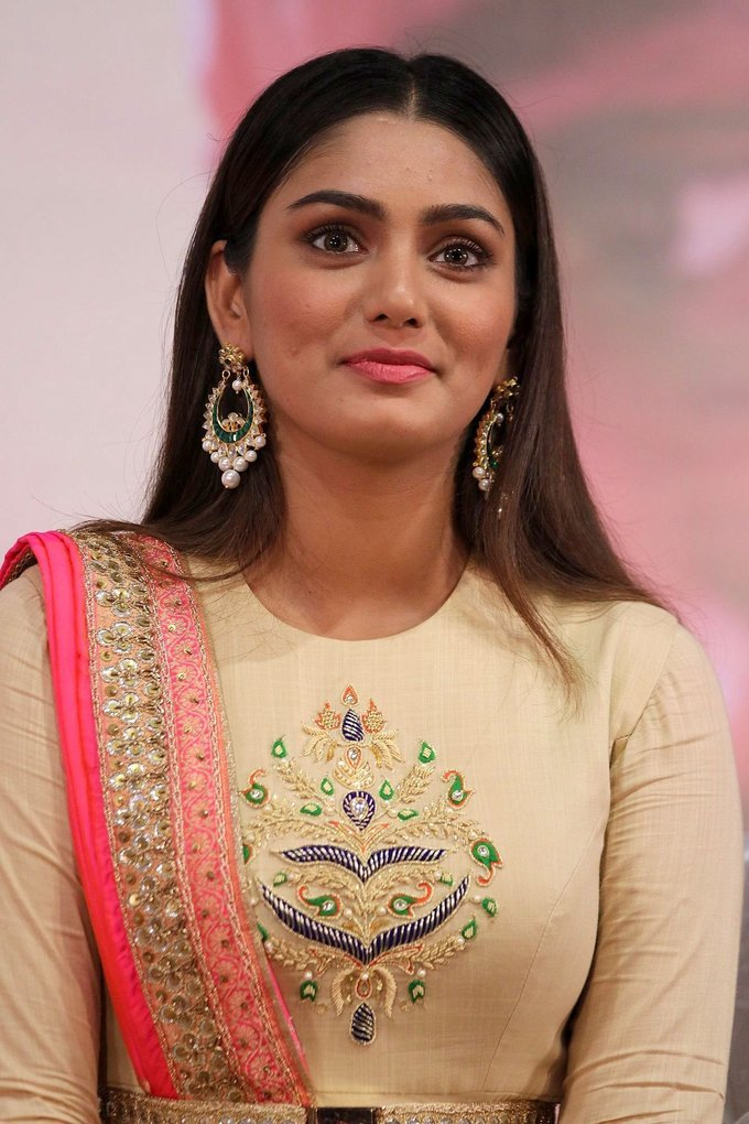 Beautiful Tamil Girl Sana Makbul At New Movie Audio launch Photos