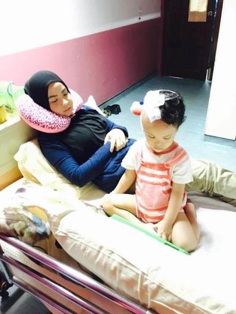 Pengajaran Untuk Ibu Bapa, Jangan Ambil Mudah Kalau Anak Terjatuh Dari Sofa