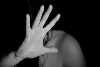 Main tendue pour refuser (pixabay)