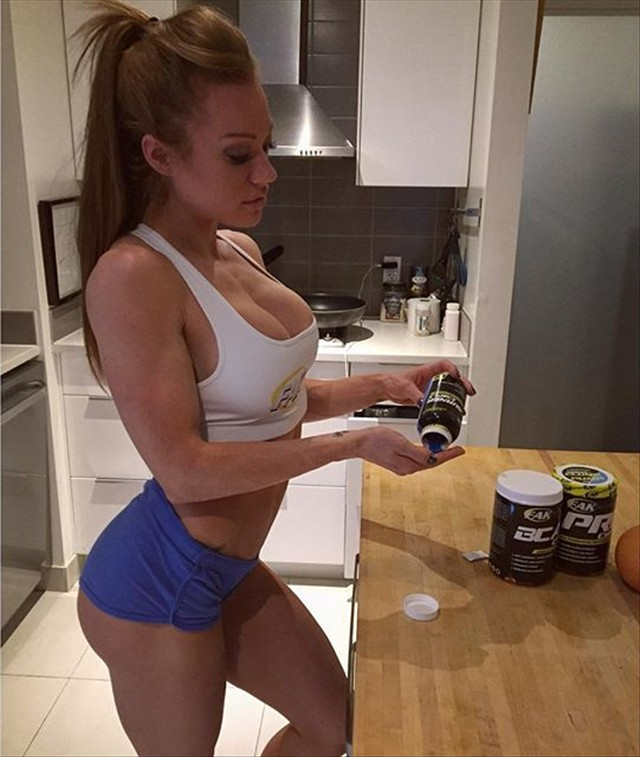 Instagram  Fitness Model Samantha Skolkin