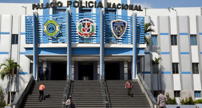 Policía halla 222 paquetes de cocaína en manglares de Pedernales