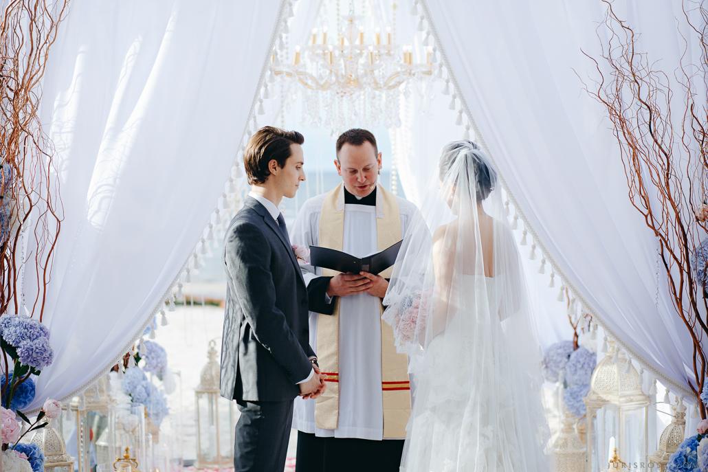 kāzu ceremonija jūras krastā свадебная церемония на пляже Свадьба в Латвии