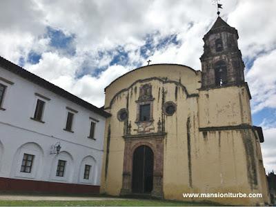 Templo de la Compañia en Pátzcuaro, Michoacán