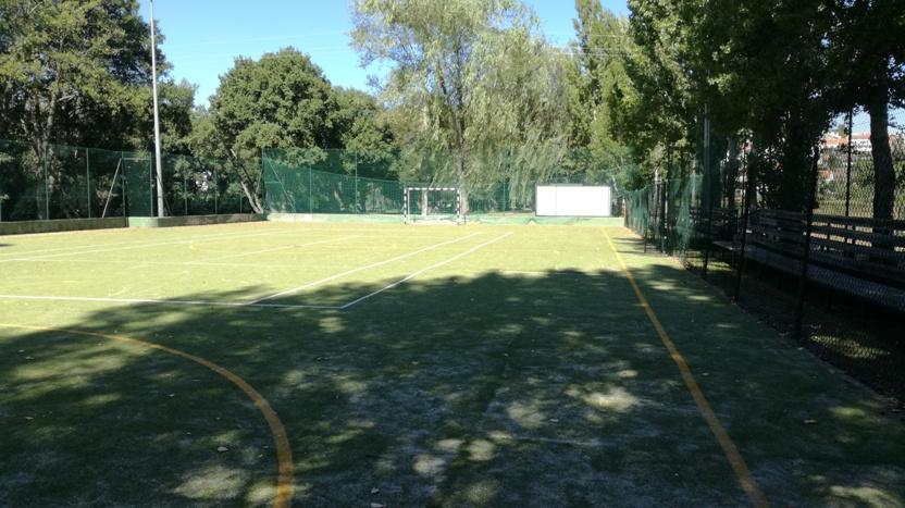 Campo de Futebol com relva Sintética