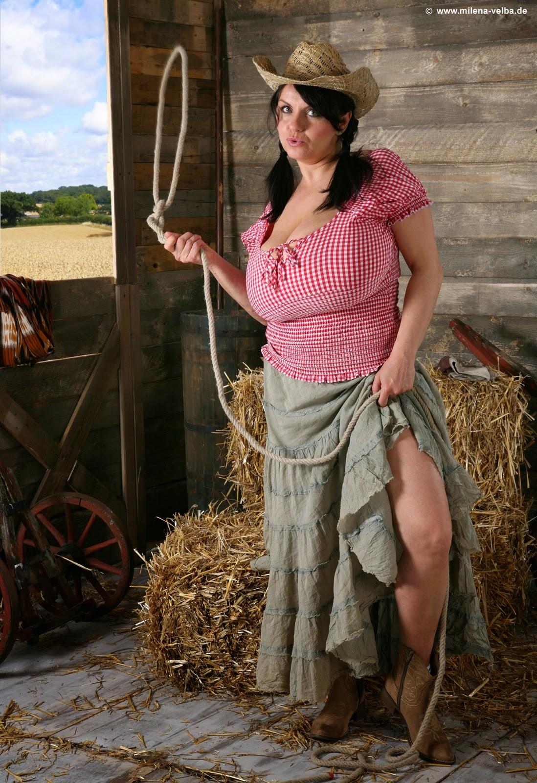 зрелые женщины в деревне