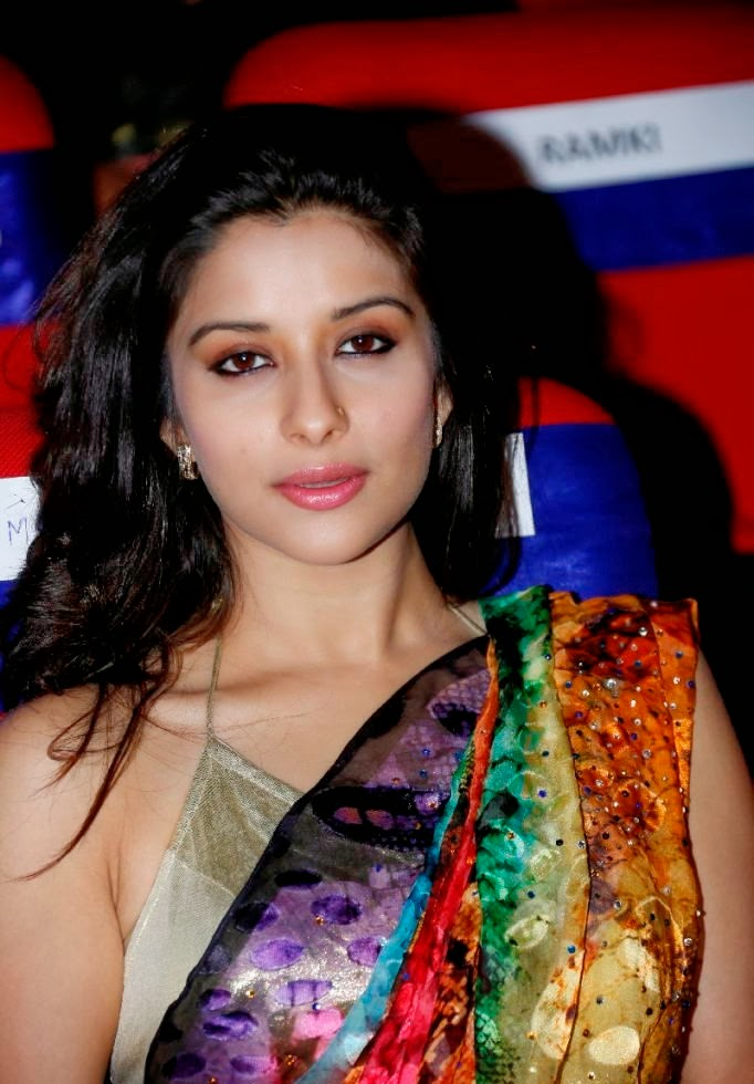 Madhurima Hot Hip Navel Photos In Multi Color Saree