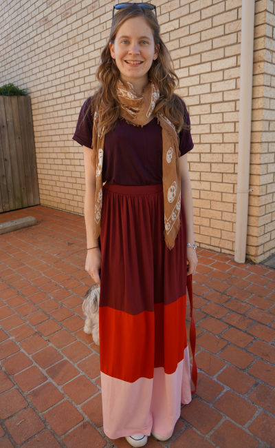 Ombre outfit burgundy oversize tee Alexander McQueen skull scarf colour block maxi skirt