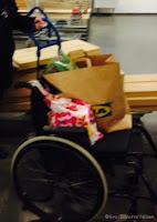 Handletur på Ikea med rullestol.