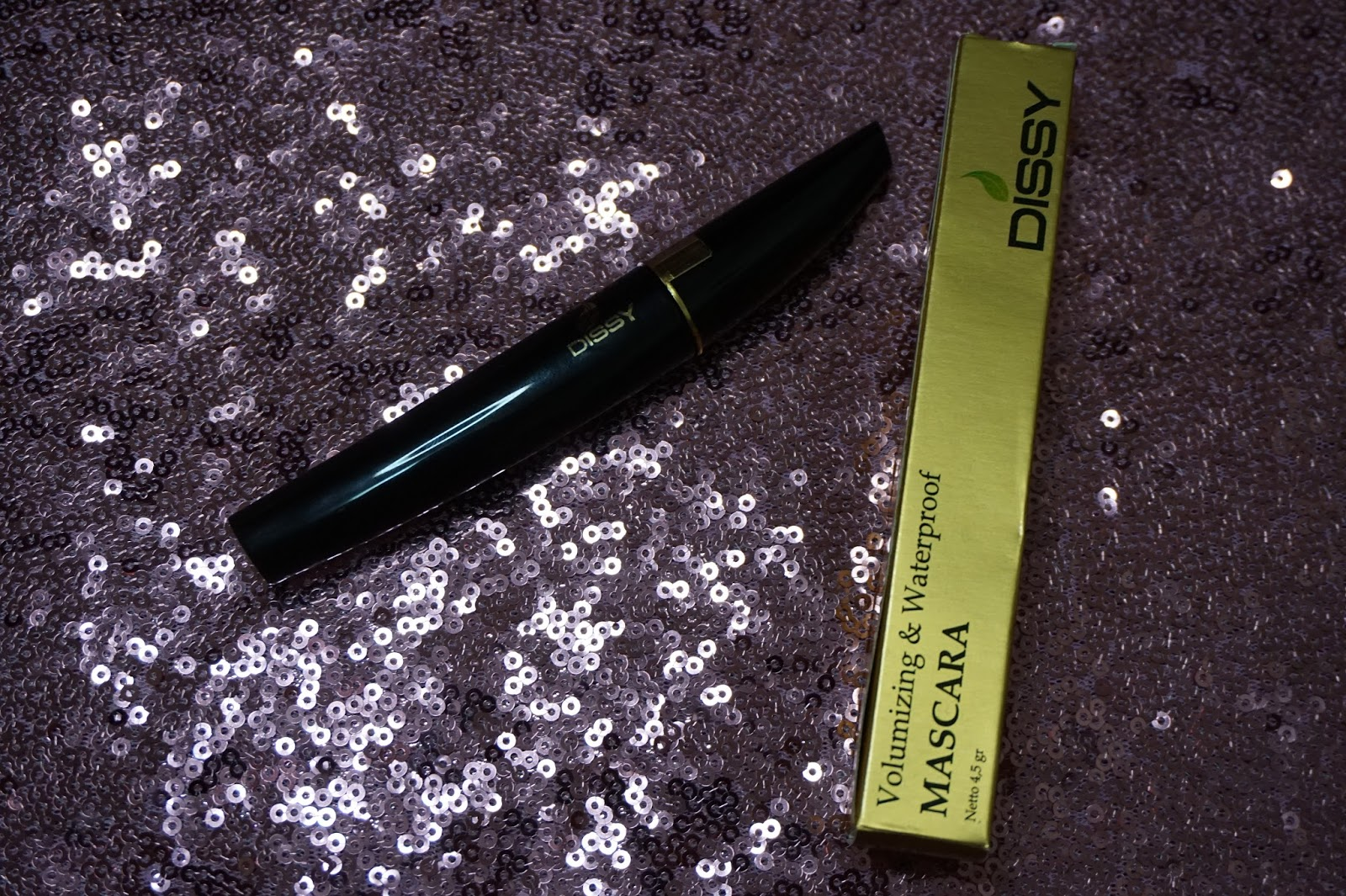 VOLUMIZING AND WATERPROOF MASCARA DISSY REVIEW