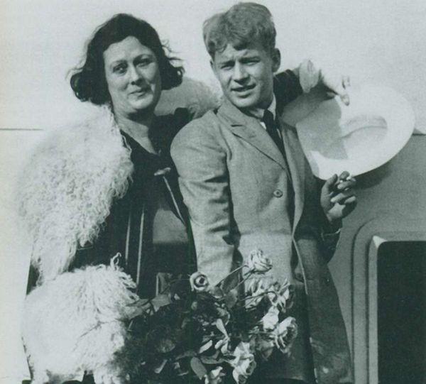 Айседора Дункан и Сергей Есенин на пароходе Paris. 1922 г.