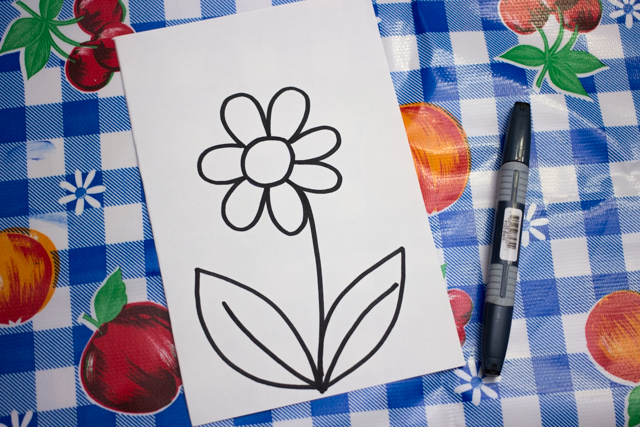 make pretty zentangle flower art withe the kids- great spring kids art project