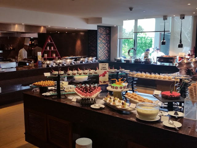 Sunday Brunch Radisson Blu Banjara