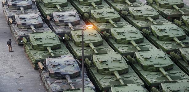 Tank Leopard di dermaga - berbagaireviews.com