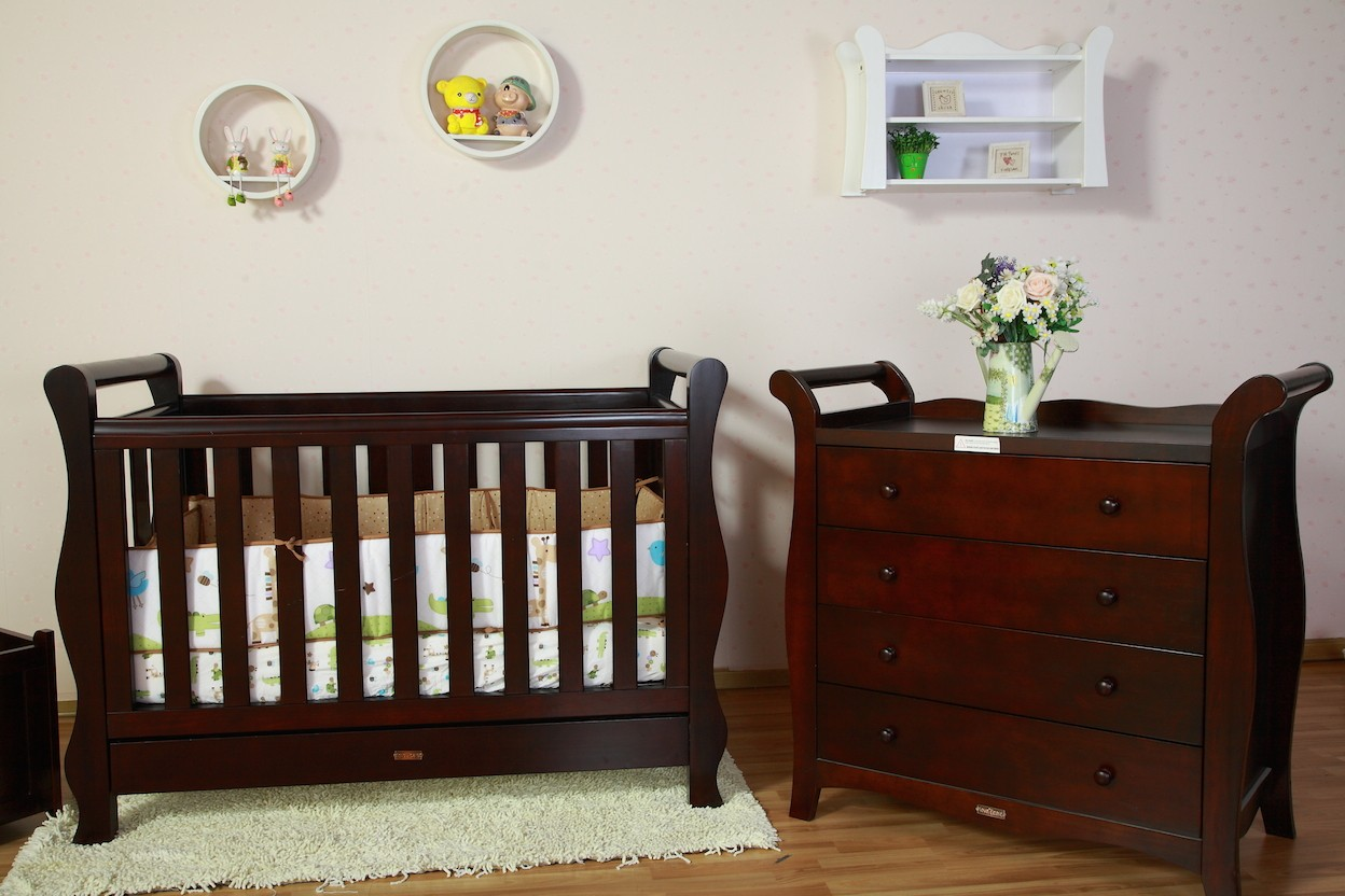 Baby products news reviews baby cot for babies selecting the safest and most comfortable - Cots for small spaces plan ...