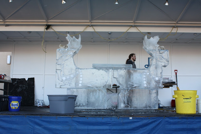 Live ice sculpting at Stroll on State