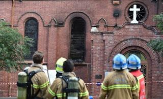 Θρήνος στην ομογένεια! Στις φλόγες η πιο παλιά εκκλησία της Μελβούρνης! ΦΩΤΟ