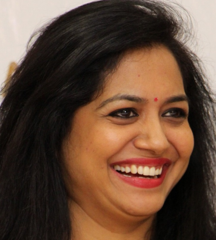 Telugu Singer Sunitha Latest Smiling Face Close Up Photos