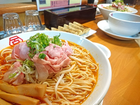 肉汁中華ソバ 百年本舗 沖縄浦添店の写真