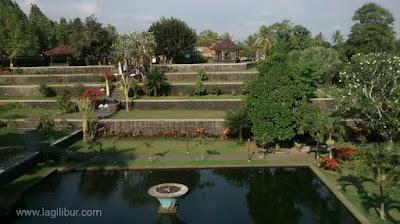 Taman Narmada dilihat dari Balai Terang, mataram, lombok