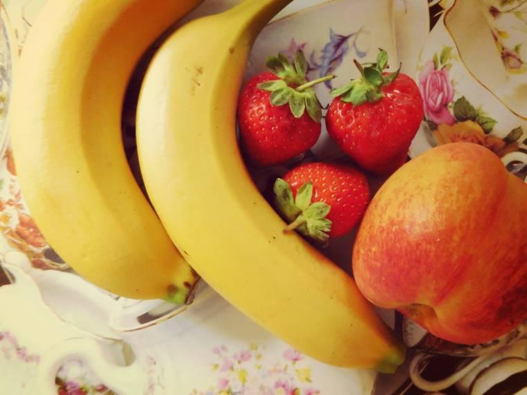 Strawberries, Peach And Banana Milkshake...