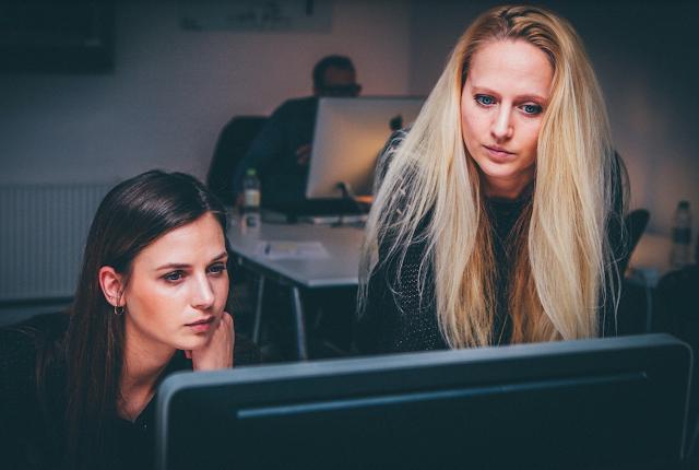 Tips Membuat Hubungan Kerja Harmonis Dengan Karyawan