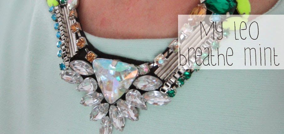 mintfarbenes kleid mit leoprint kombiniert outfit. Black Bedroom Furniture Sets. Home Design Ideas