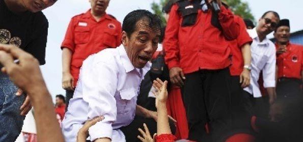 Pengamat: Jika Terus Kalap Musuhi Ulama, Rezim Jokowi Bisa Tumbang!