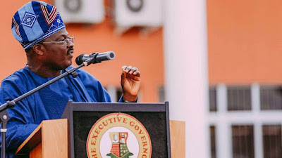 """""""I Washed Dead Bodies To Survive For 8 Years"""" – Gov Ajimobi"""