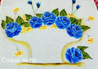 rosas azuis cesta de croche