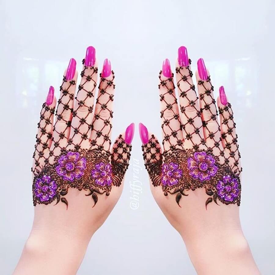 unhas decoradas mãos decoradas