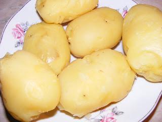 Cartofi fierti in coaja reteta,