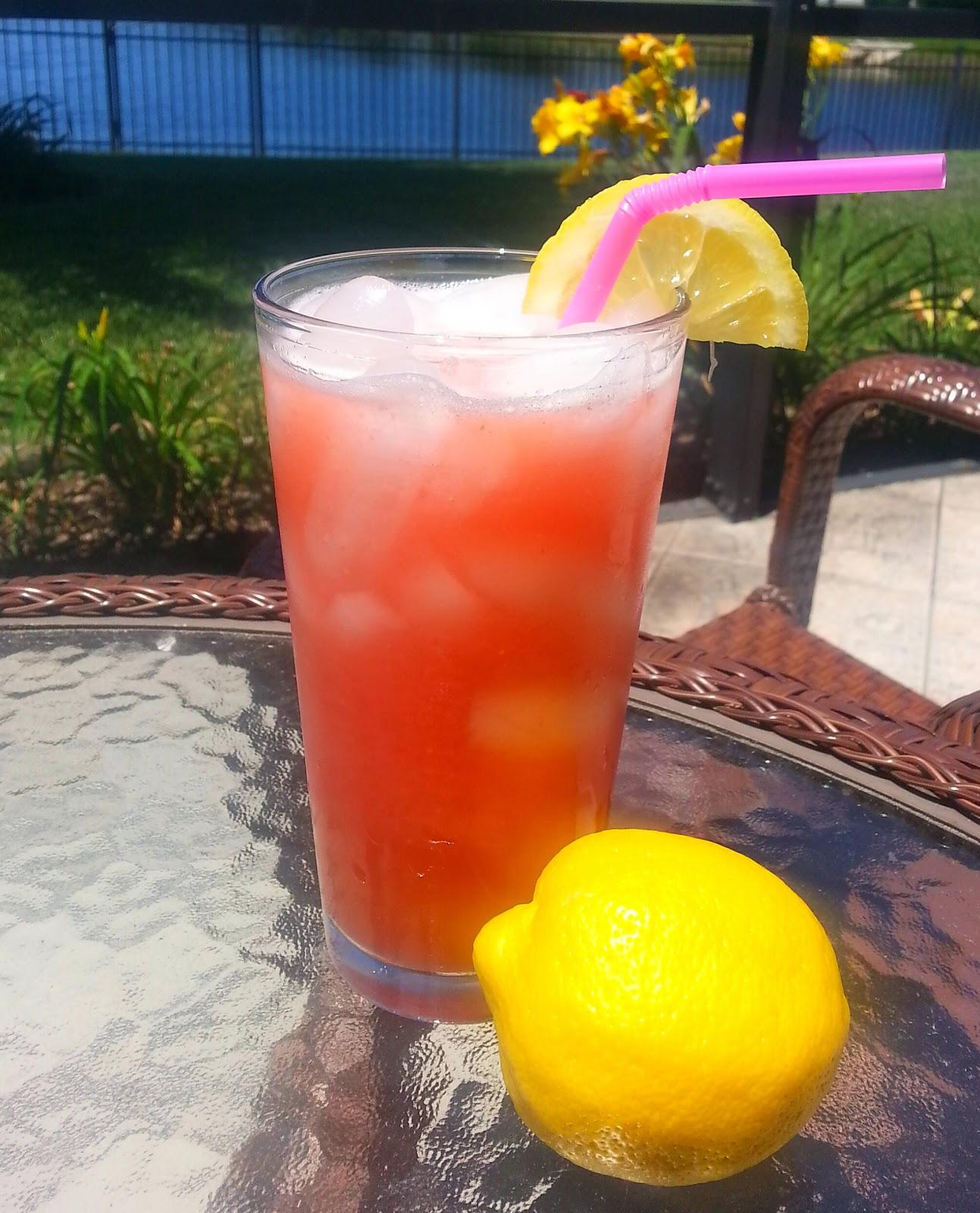 Momentz By TJ: Five Minute Stawberry Lemonade