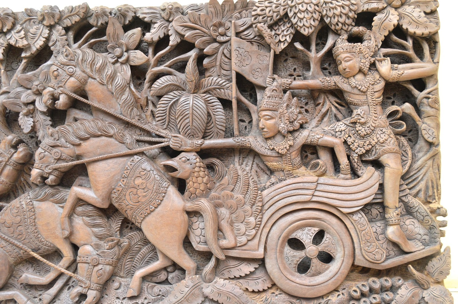 Inerviz art gallery vintage antique mahabharata relief