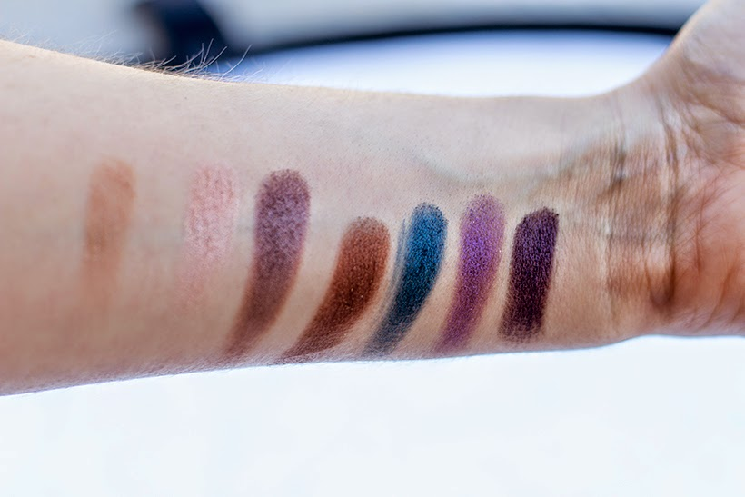 Make Up For Ever Artist Shadow Palette swatch