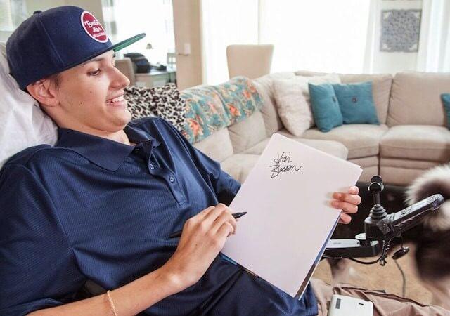 Stem Cells Treatment Helped A Paralyzed Man Regain Upper Body Movement