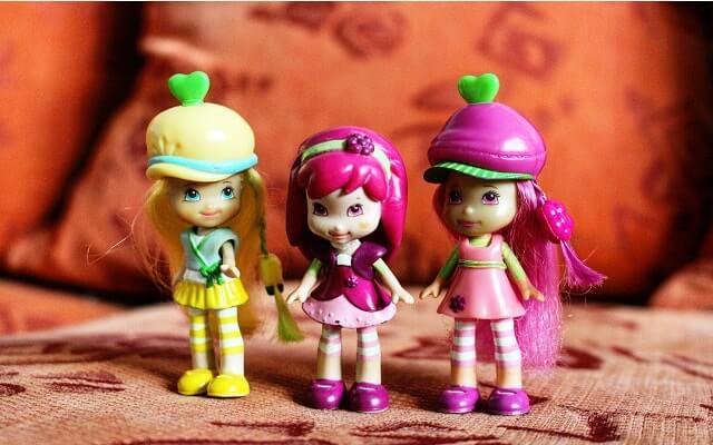 çilek kızlar-oyuncak bebek
