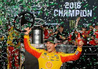 #MENCS - Late Charge Gives Joey Logano Homestead Victory And First Cup Championship