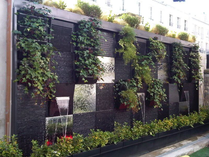 Wall mounted hanging planters garden 1001 why people for Wall plants outdoor