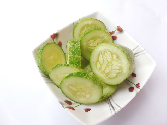 Cucumber for under eye dark circles