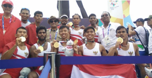 The Indonesian men's team contributed gold medals from rowing numbers for Mens Lightweight Eight at Jakabaring Rowing Lake, August 24, 2018.