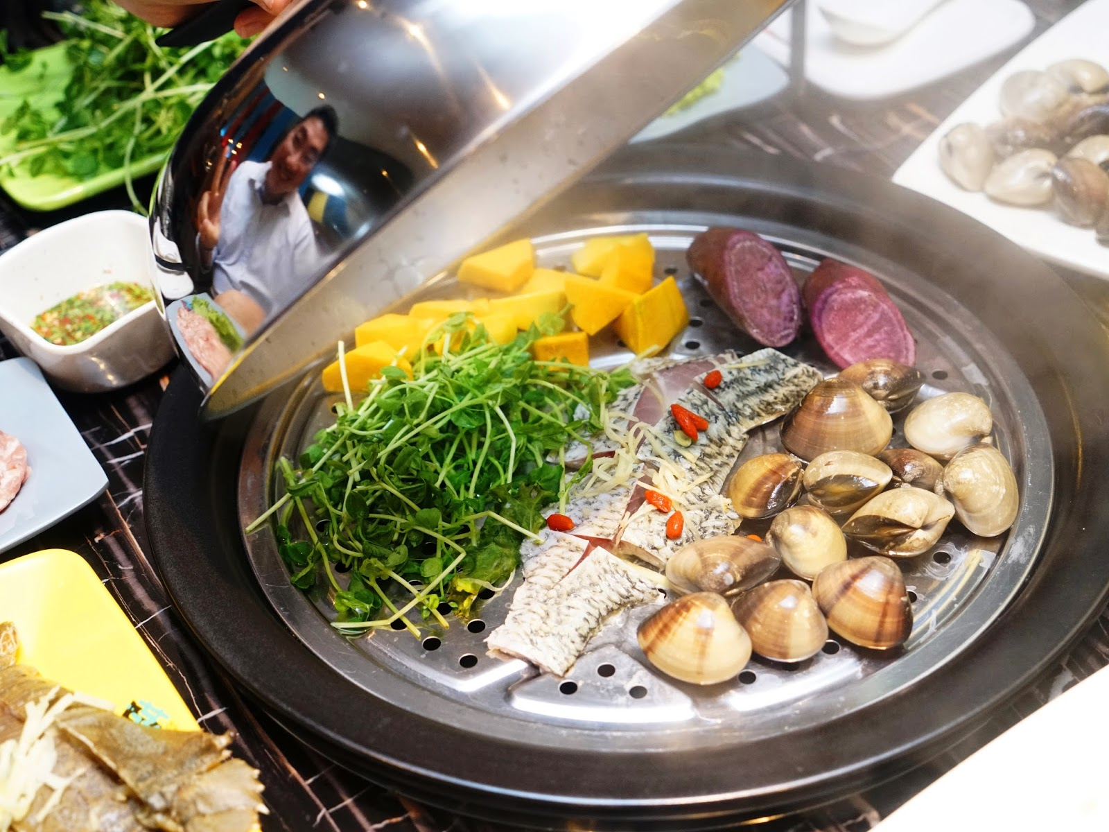what is steaming food Steaming conserves all the nutrients in the food and no oil is required in steaming.