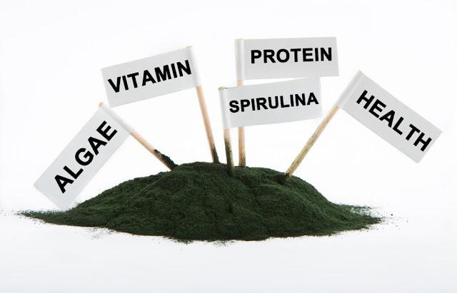 suplemento saludable con alga spirulina