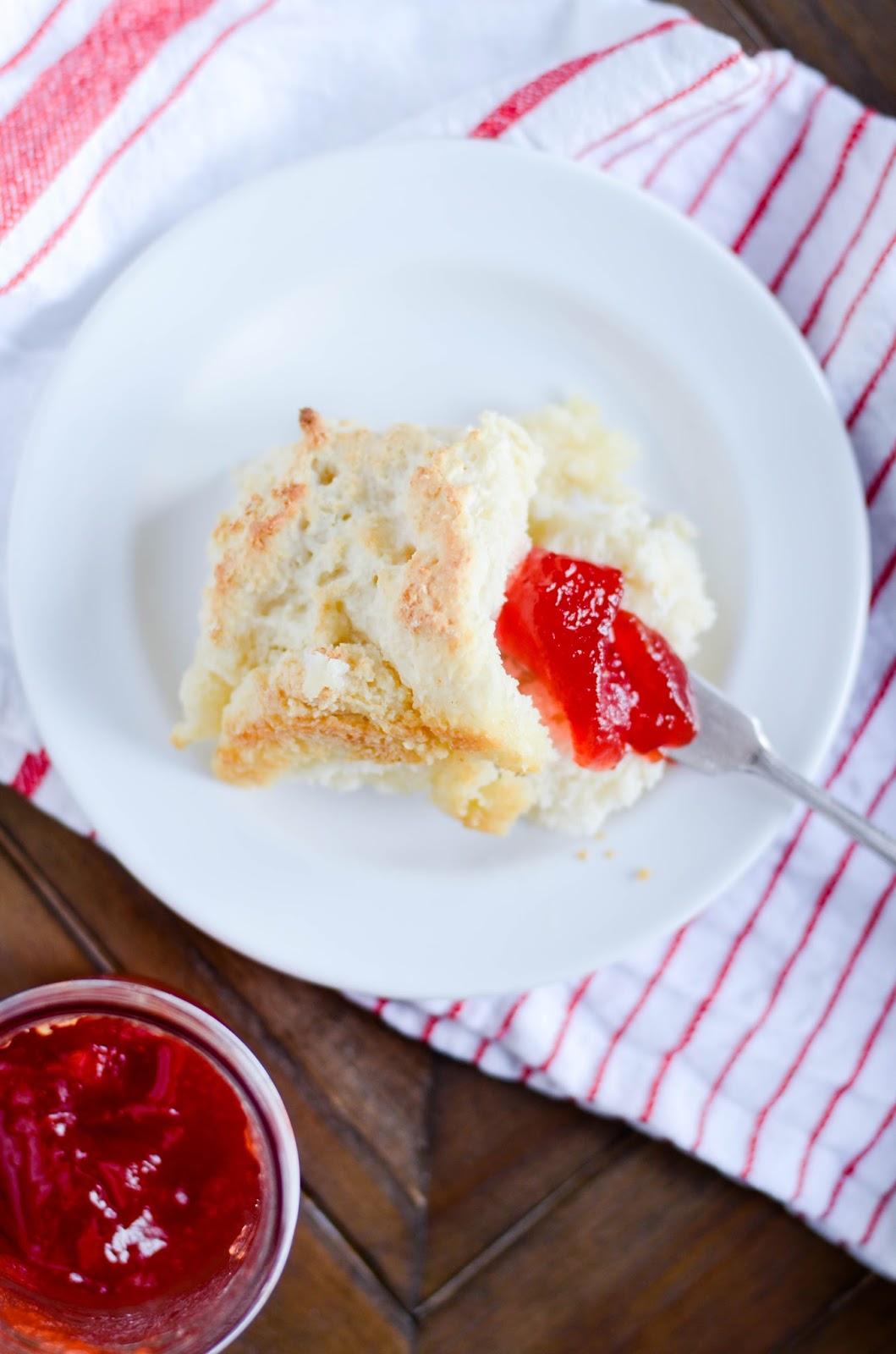 http://www.keatseats.com/2017/06/butter-dip-biscuits.html